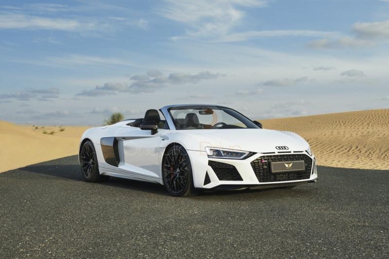 Louer Audi R8 V10 Spyder - Voiture de sport Dubai