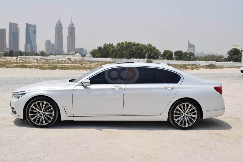 Hire BMW 740Li - Sedan Dubai