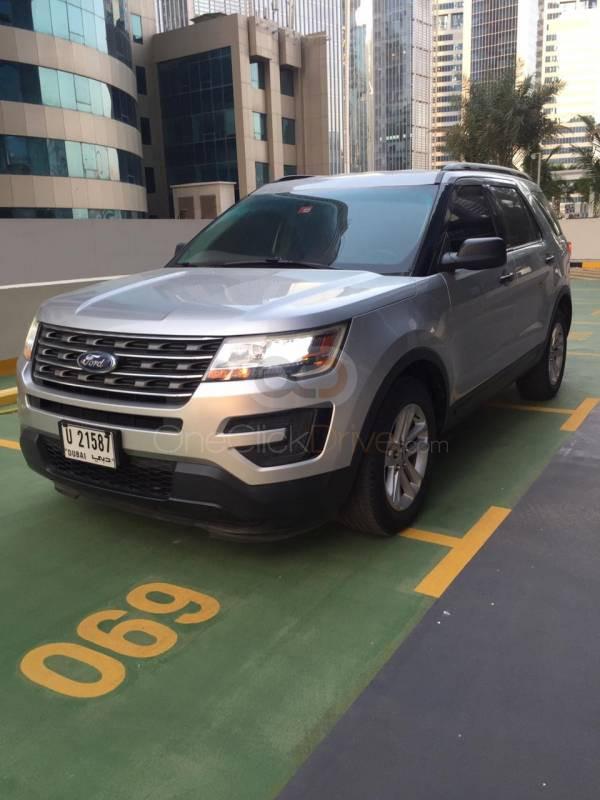 Rent Ford Explorer in Dubai - SUV Car Rental