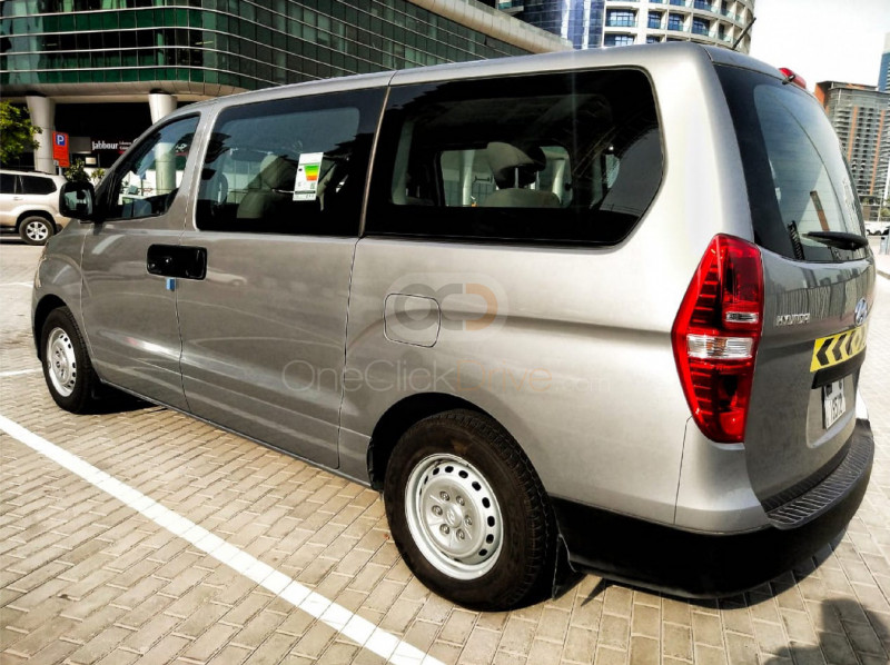 Book Hyundai H1 2020 in Dubai