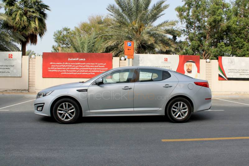 Sedan Car Rental Dubai - Price.