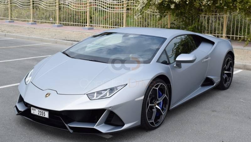 Rent Lamborghini Huracan Evo in Abu Dhabi - Sports Car Car Rental