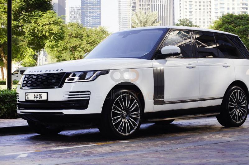 Rent Land Rover Range Rover Vogue SE in Dubai - SUV Car Rental