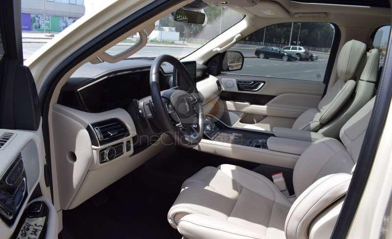 Hire Lincoln Navigator - SUV Dubai