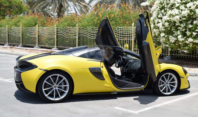Hire McLaren 570S Spyder - Sports Car Dubai