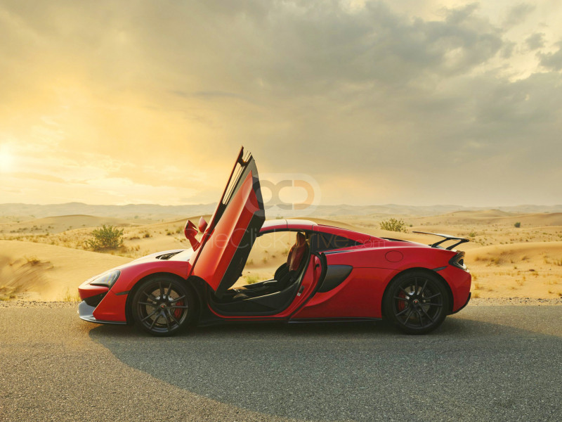 Rent McLaren 570S Spyder in Dubai - Sports Car Car Rental