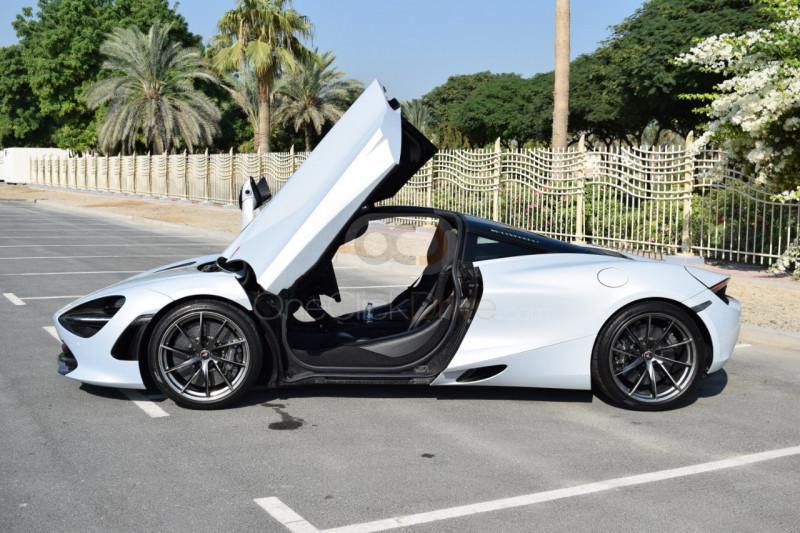 Hire McLaren 720S - Sports Car Dubai