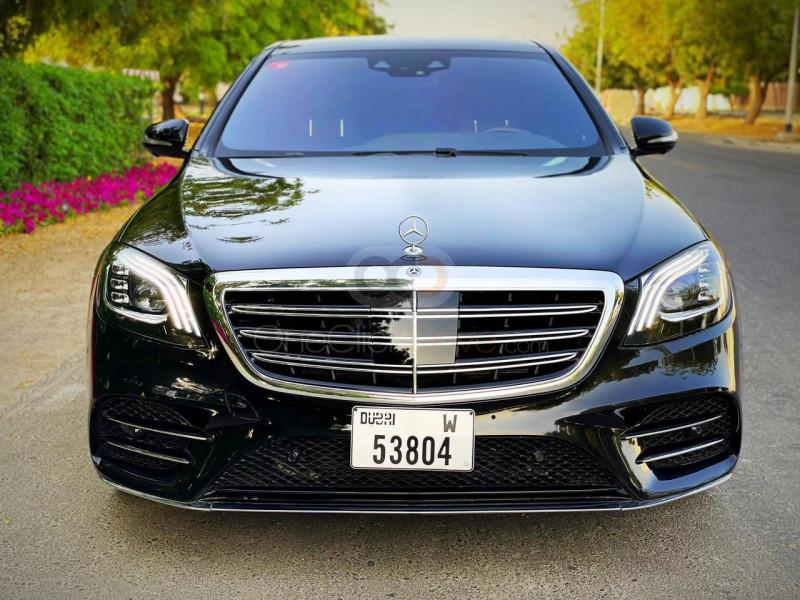 Rent Mercedes Benz S560 in Dubai - Sedan Car Rental