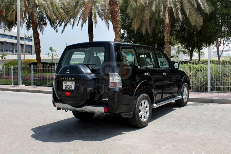 Book Mitsubishi Pajero 2017 in Dubai