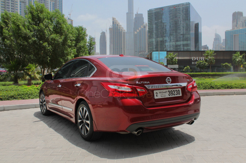 Book Nissan Altima 2016 in Sharjah