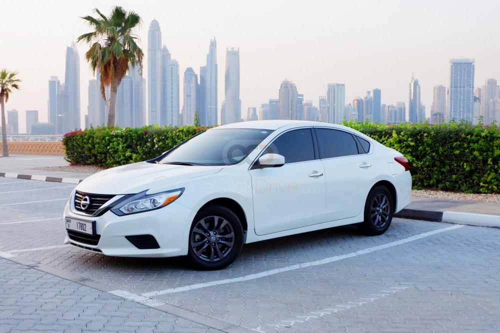 Rent Nissan Altima in Dubai - Sedan Car Rental