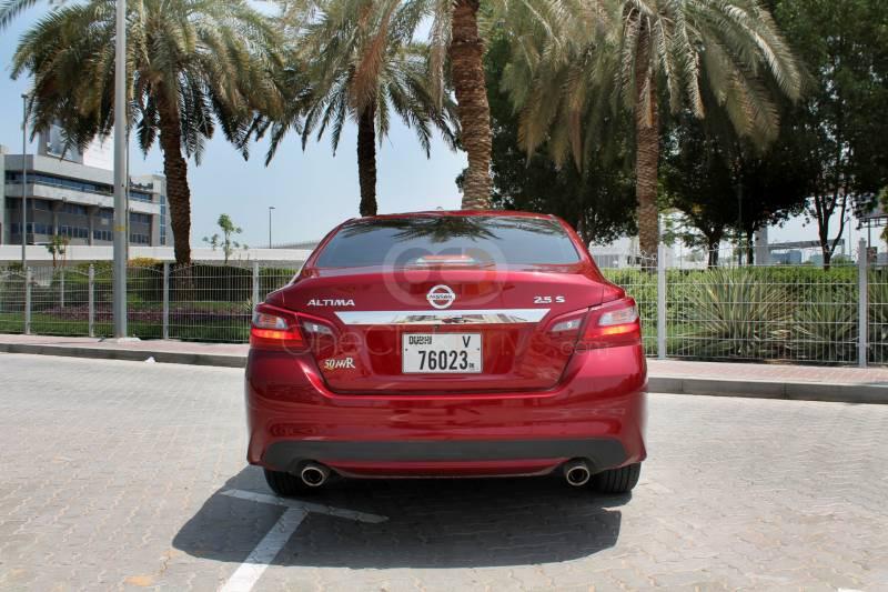 Book Nissan Altima 2018 in Dubai
