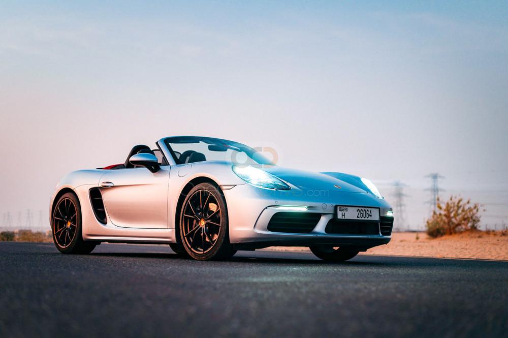 Rent Porsche 718 Boxster in Dubai - Sports Car Car Rental
