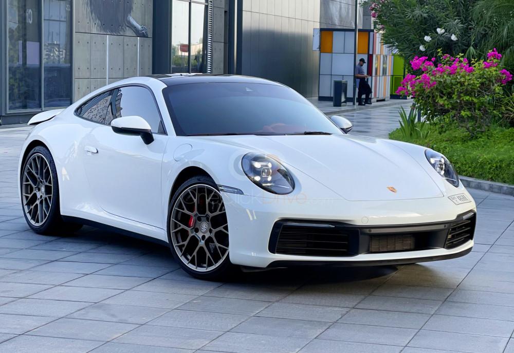 Rent Porsche 911 Carrera in Dubai - Sports Car Car Rental