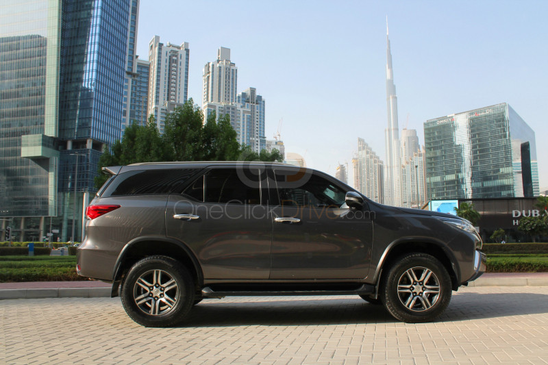 Book Toyota Fortuner 2016 in Dubai