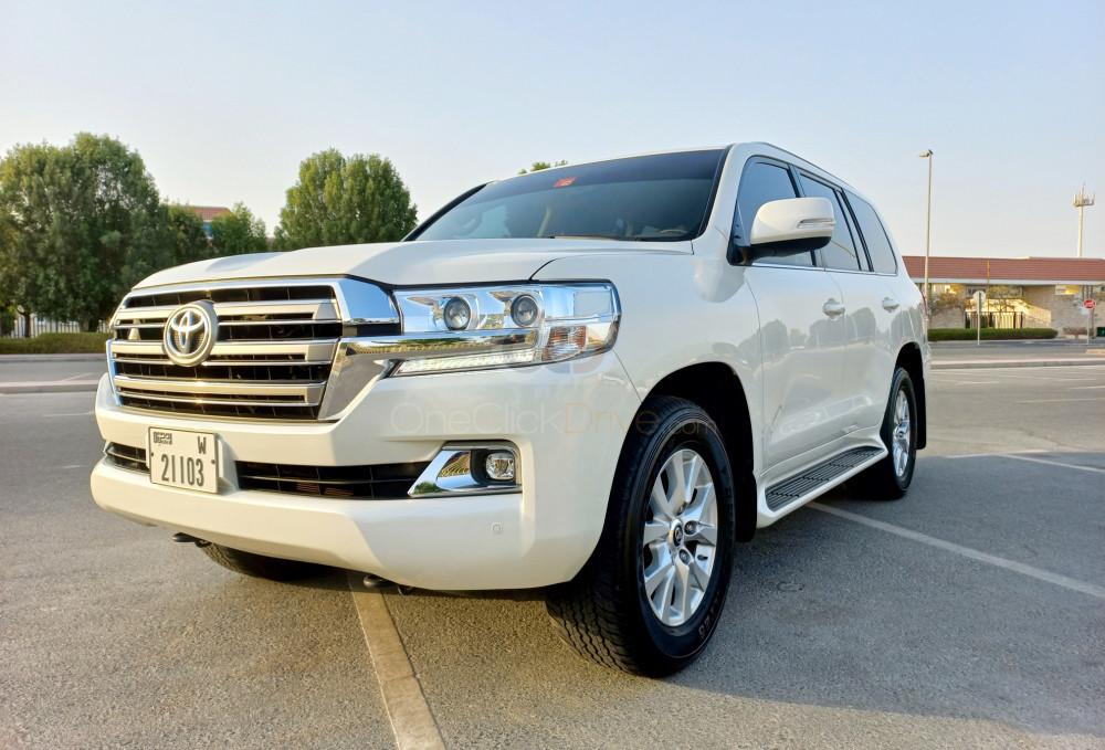 Rent Toyota Land Cruiser in Dubai - SUV Car Rental