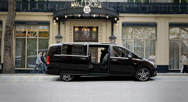 Relax like a boss! Enjoy chauffeur service at discounted prices.