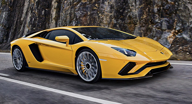 Rent the latest model of Lamborghini Huracan @ AED 2800 / day