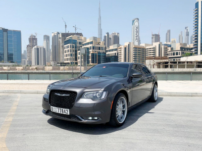 Chrysler 300C Price in Sharjah - Sedan Hire Sharjah - Chrysler Rentals