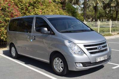 Hyundai H1 with Hydraulic Lift Price in Sharjah - Special Needs Hire Sharjah - Hyundai Rentals