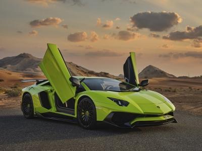 Lamborghini Aventador Coupe LP700 Price in Abu Dhabi - Sports Car Hire Abu Dhabi - Lamborghini Rentals